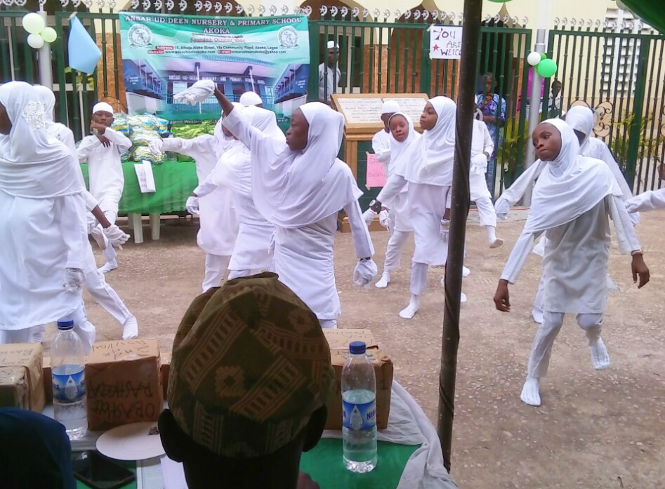 (+PICTURES) PUPILS WOW AUDIENCE AT THE 10TH GRADUATION CEREMONY OF ANSAR-UD-DEEN NURSERY AND PRIMARY SCHOOL
