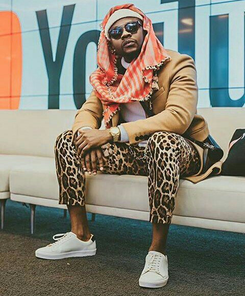"""(+ALBUM REVIEW) VIEW THE SONGS IN KIZZ DANIEL'S NEW ALBUM """"KING OF LOVE"""" WHICH IS YOUR FAVOURITE? HERE IS MINE!"""